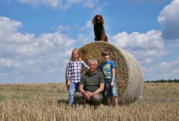 Sleduj online Dětem, Rodinný, Přírodní svět S Hubertem do lesa na ČT :D!
