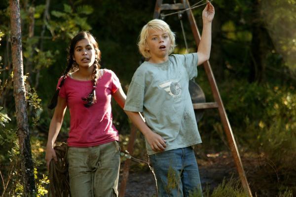 Sleduj online Drama, Rodinný, Pro náctileté Hledání přátel na !