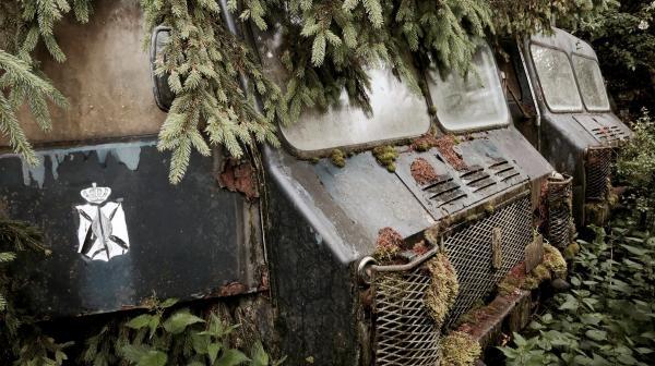 Sleduj online dokument Rezavý ráj: Přízračné budovy na !