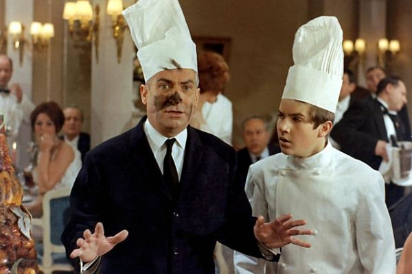 Sleduj online komedie Grand restaurant pána Septima na !