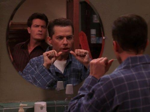 Two and a Half Men  II (6)