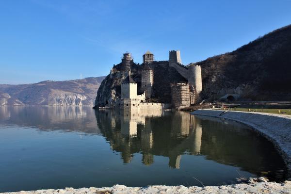 Sleduj online Dokument, Historický Pevnosti na Dunaji na Prima ZOOM!