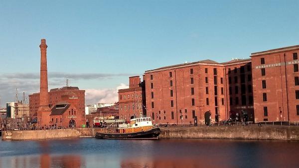 Sleduj online cestování Na cestě po Manchesteru a Liverpoolu na !