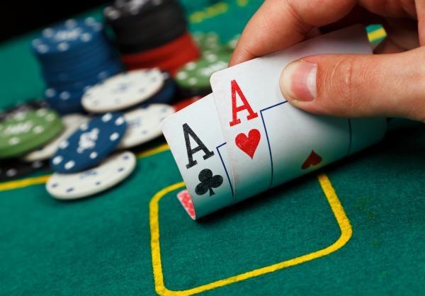 Sleduj online Poker Poker: WSOPE Main Event na !