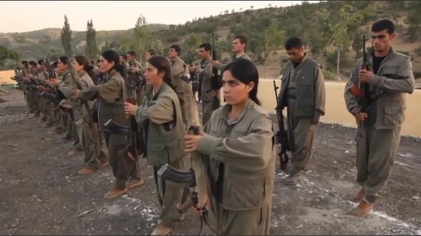 Sleduj online  Bakur: Uvnitř PKK na !