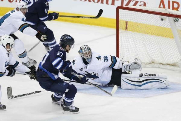 Sleduj online Lední hokej San Jose Sharks - Winnipeg Jets na Nova Sport 2!