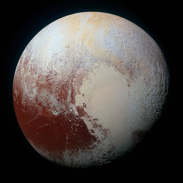 Sleduj online  Odhalené Pluto na !