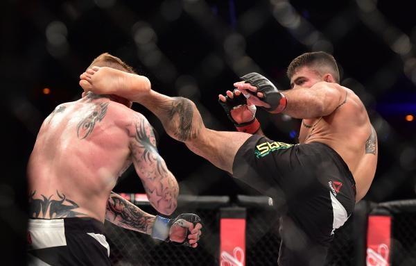 Sleduj online Bojová umění Ultimátní bojové zkušenosti - uce na FightBox!