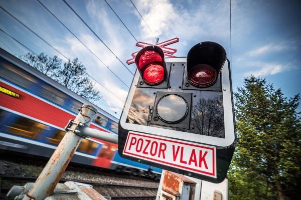 Sleduj online Magazín Pozor vlak na Sport 5, OIK TV!