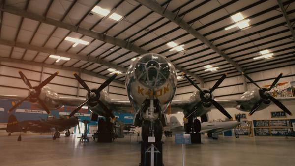 Sleduj online Historický, Válečný Válečné stroje na ČT2!