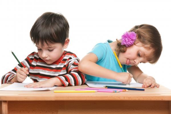 Sleduj online Vzdělávací, Zábavný Tech Sophia uvádí: učíme se hrou na CS Mini!