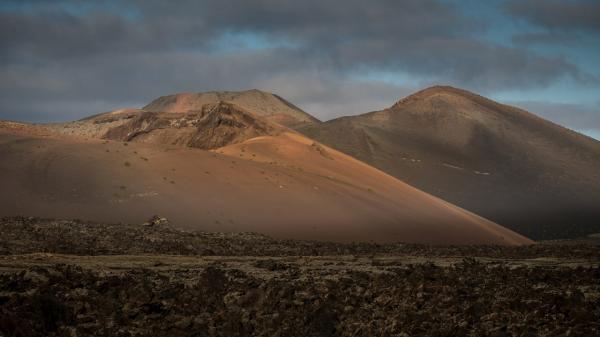 Sleduj online Přírodní svět Kanárské ostrovy: Svět ohnivých hor na ČT2!