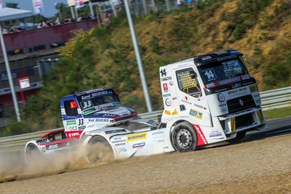 Sleduj online Magazín, Motorové sporty Truck Racing Magazine na Nova Sport 1!