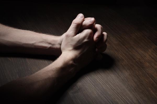 Sleduj online Náboženství Chvály na Lux!