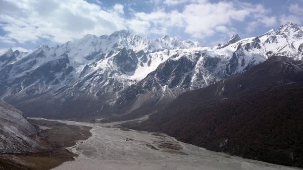 Sleduj online Přírodní svět, Cestování Na cestě po nepálském Langtangu na !
