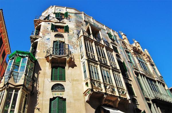Sleduj online umění Mallorca, ostrov slunce a umění na !