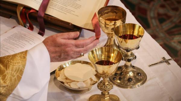 Oglądaj online Náboženství Eucharistické zázraky w Lux