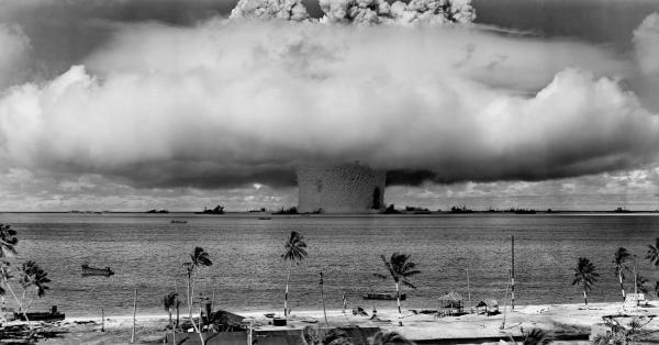 Sleduj online Válečný Šílený svět studené války na ČT2!