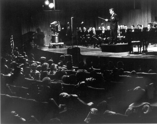 Sleduj online Klasická hudba Leonard Bernstein o hudbě na ČT art!