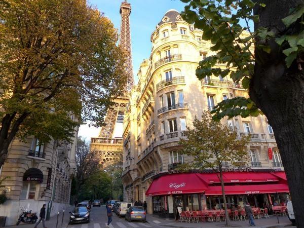 Sleduj online Cestování Über den Dächern von Paris na !
