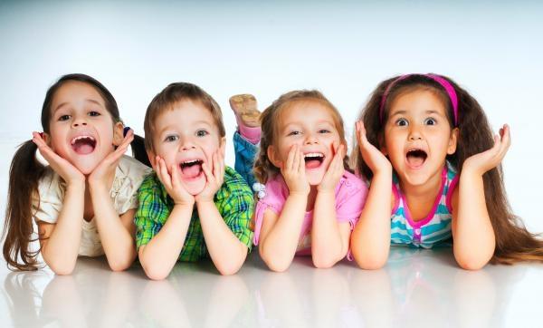Oglądaj online zábavný Dětský svět w