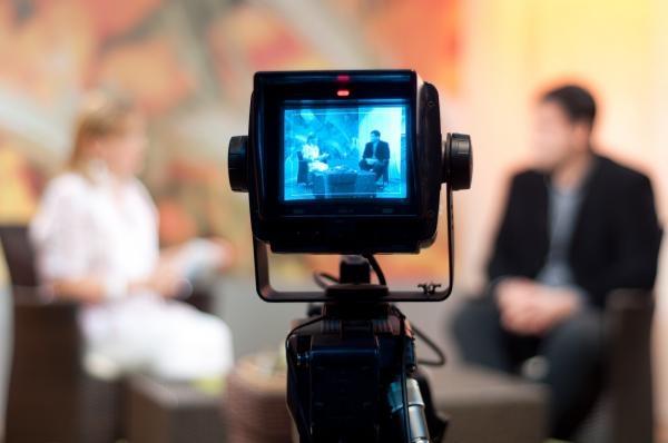 Sleduj online Talk Show Riverboat na 3SAT!