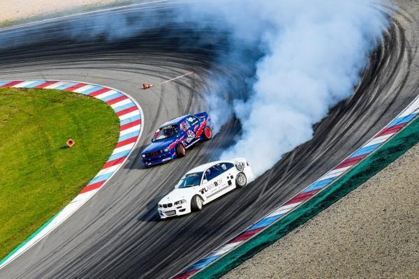 Sleduj online Motorové sporty Sport v regionech: Czech Drift Series, Brno na !