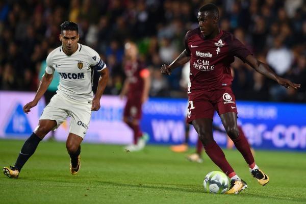 Sleduj online fotbal FC Metz - AS Monaco na !