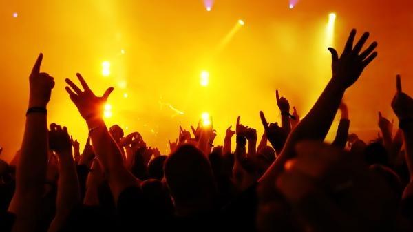 Sleduj online Aktuální dění, Hudba Shaker na Óčko Star!