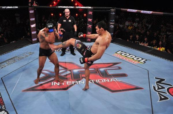 Sleduj online Bojová umění Šampionát v extrémních zápasech na FightBox!