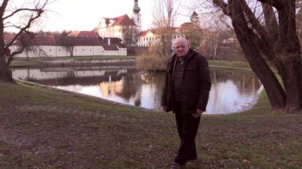 Sleduj online Historický Nad pramenem sv. Vojtěcha na CS Film!