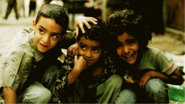 Sleduj online Válečný Irák - Válka, láska, Bůh a šílenství na KinoSvět!