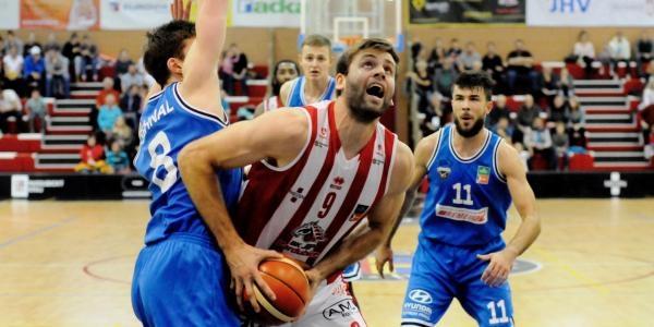 Sleduj online Basketbal Basketbal: USK Praha - BK JIP Pardubice na ČT4 Sport!