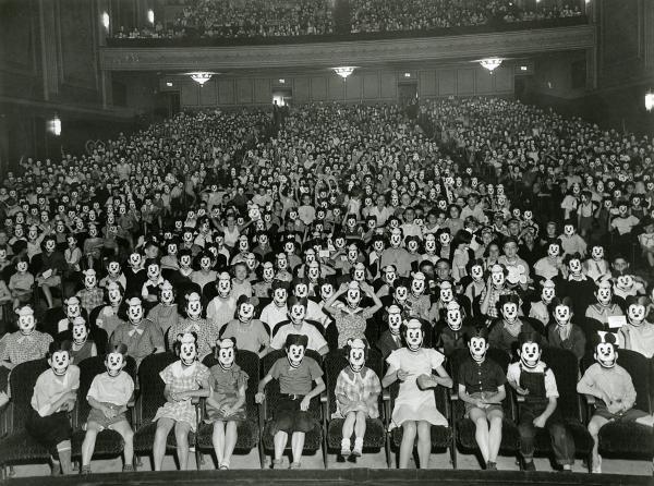 Sleduj online historický Walt Disney – od myšáka k Disneylandu na !