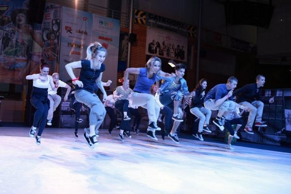 Sleduj online Tanec, Hip-Hop Beat Street 2011 na !