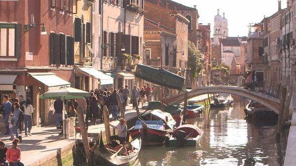 Sleduj online  Benátky: Ako zadržať príliv? na !