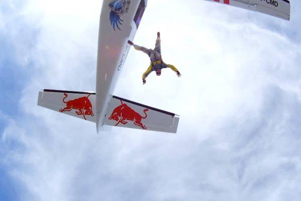 Sleduj online  Sharing the Sky na Red Bull TV!